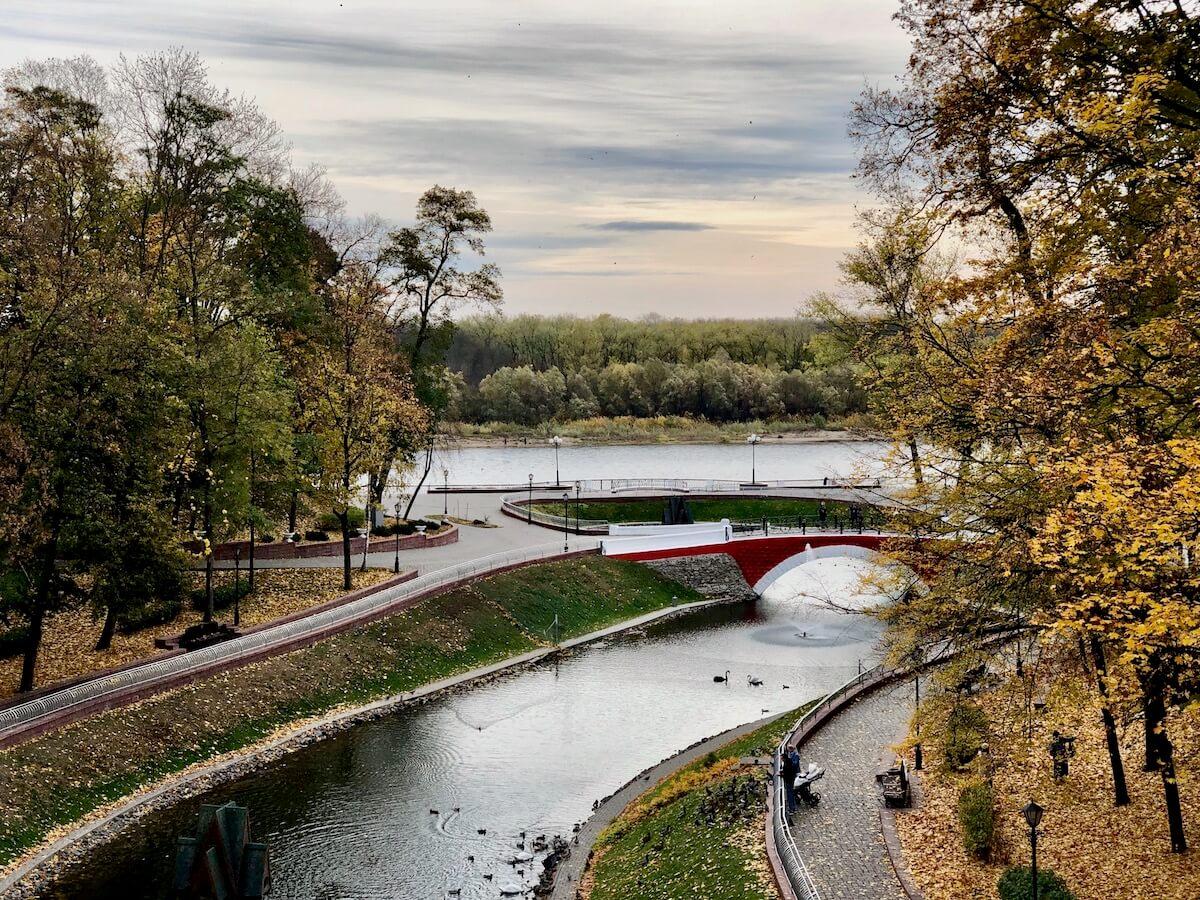 Вид на Сож с моста в парке